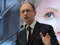 Яценюк: Украина напоминает Беларусь; Выборы-2015 стартовали де-факто