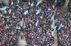 Волнения перед парламентом Крыма привели к гибели двух человек