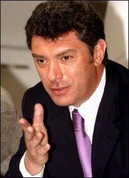 Падающая экономика не дает Путину активничать в Украине – Немцов