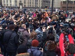 Антивоенный митинг в Москве: сотни задержанных россиян
