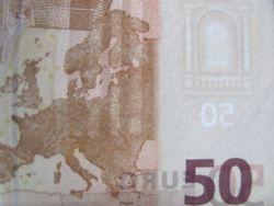Курс доллара США растёт к евро после выхода данных по частному сектору еврозоны