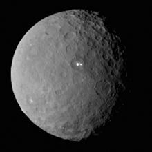 NASA в YouTube показала полет над планетой Церера