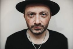 Один из основателей «Агаты Кристи» поддержал Украину песней