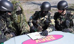 Российские пограничники продолжают потворствовать террористам