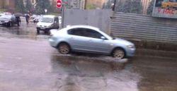В Днепропетровске воды на улицах по щиколотку