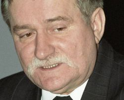 Лех Валенса не видит в Украине лидера, способного взять  власть в свои руки