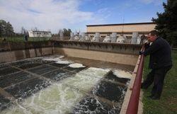 Медведев: перекрытие воды в Крым обусловлено политическими соображениями