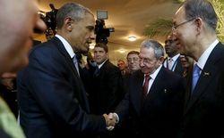 Исторический момент: президент США и руководитель Кубы пожали друг другу руки