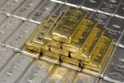 Накануне фьючерсы на золото начали расти
