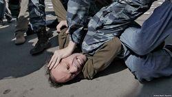 Россияне оправдывают пытки и насилие – соцопрос