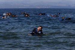 Лодка с беженцами затонула у берегов Турции – есть погибшие