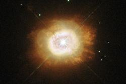 Хаббл сфотографировал водородную звезду, как Солнце