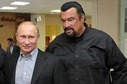 Герою боевиков Сигалу не дали спеть в Эстонии из-за поддержки Путина