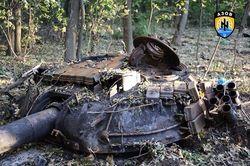 """""""Азов"""" уничтожил танк террористов под Новоазовском, есть пленные"""
