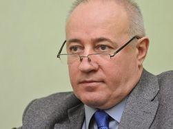 Чиновники Украины в 2015 г. будут получать должностной оклад без надбавок