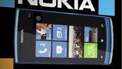 Nokia Lumia 730 засветился на фотографиях