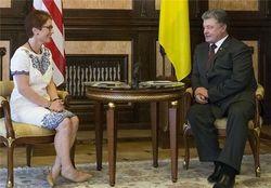 Порошенко поздравил Трампа и пригласил его в Украину