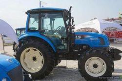 Южнокорейский трактор LS