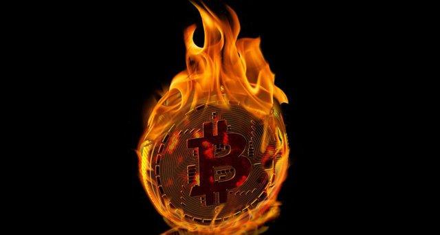 «Биткойн— это мыльный пузырь»: аналитик Bloomberg спрогнозировал падение криптовалюты до $900