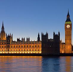 Банки Великобритании дают 750 млн. фунтов пострадавшим от наводнения