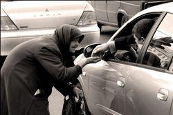 Уборщицы «Газпрома» ездят на работу с сумочками Dior за 300 тысяч рублей