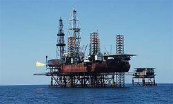 Влияние санкций: РФ придется продавать нефтяные месторождения – Bloomberg