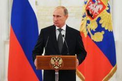 На рейтинг Путина в России может повлиять разве что затяжной кризис – эксперт