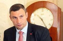 Янукович на срочном совещании убеждает регионалов поддержать закон об амнистии