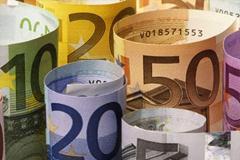 Евро продолжил рост к курсу доллара на Форекс после слабого отчета по инфляции в еврозоне