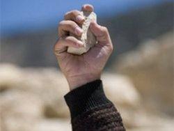 В Шахрисабзе милицию забросали камнями