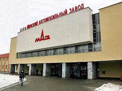 Флагман белорусского автопрома МАЗ останавливает конвейер