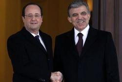 Олланд призвал Турцию признать геноцид армян, а Гюль Олланда - геноцид алжирцев