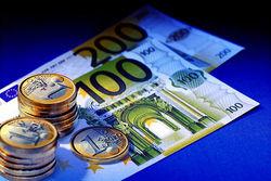 Курс евро поднялся на 2,10% к гривне на Форекс на фоне кризиса в Украине