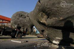 В Мариуполе неизвестные снесли «главного Ленина»