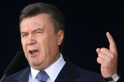 Януковича в Запорожье встречали  казаки и медики - что удивило последних