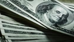 Евро дешевеет к доллару на фоне провала переговоров Греции с кредиторами