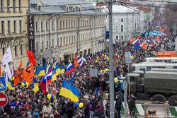 Марш мира в Москве стал крупнейшей протестной акцией за последние годы
