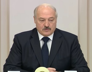 Лукашенко: Россия не просила нас нагнетать обстановку на границе с Украиной