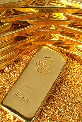 Стоимость золота  четверг опять упала