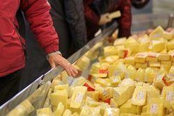 """Россия вновь объявила """"войну"""" сыру, но теперь... из Голландии"""