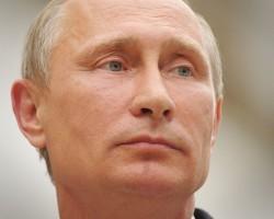Рейтинг Путина пополз вниз впервые после начала кризиса в Украине