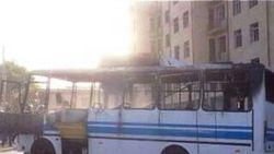 В Джизаке Узбекистана загорелся автобус, вывозивший людей с хлопка