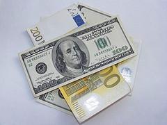 Курс доллара растет к евро на 0,25% на Форекс после позитивных экономических данных США