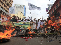 Предвыборные технологии в Бангладеш: массовый поджог участков накануне голосования