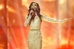 Евровидение-2014 выиграла бородатая женщина из Австрии