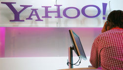 Yahoo! подняла свои акции на 0,08%, испортив отношения с Google и Facebook