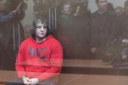 Насильника Емельяненко, бойца смешанных единоборств, освободили по УДО