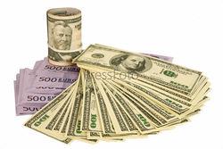 Чистая скупка наличных долларов и евро украинцами в сентябре выросла