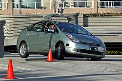 Автомобиль от Google Street View за сутки три раза попал в ДТП в Индонезии