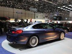 BMW останавливает продажи авто в России